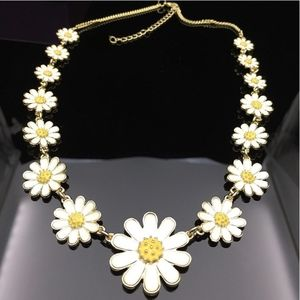 Jewelry - Daisy Necklace Enamel 18""